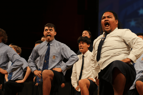 STC students performing the haka